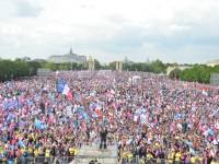 Više od milion ljudi protiv homoseksualnih brakova u Parizu