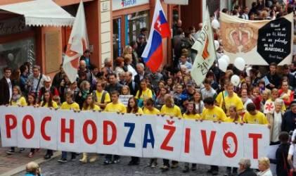 Словачка: 80 хиљада људи у шетњи за породичне вредности