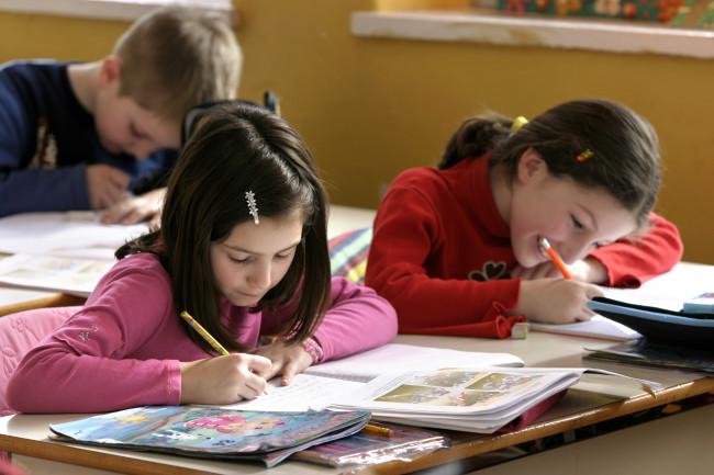 Родитељска дужност: заштитити децу од промоције разврата у школама