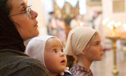 """Деца на богослужењима – """"биљке у саксији"""" или словесни хришћани"""