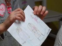 ЖЕНЕ ГОВОРЕ: Злоупотреба деце за промоцију џендер идеологије – родитељи, пробудите се!