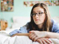 Да ли је исправно да верујући лекар заговара абортус као решење за промискуитет код тинејџера?